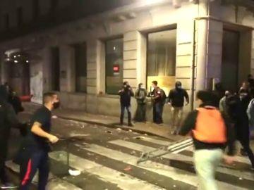 REEMPLAZO Disturbios en una manifestación 'negacionista' convocada en Barcelona
