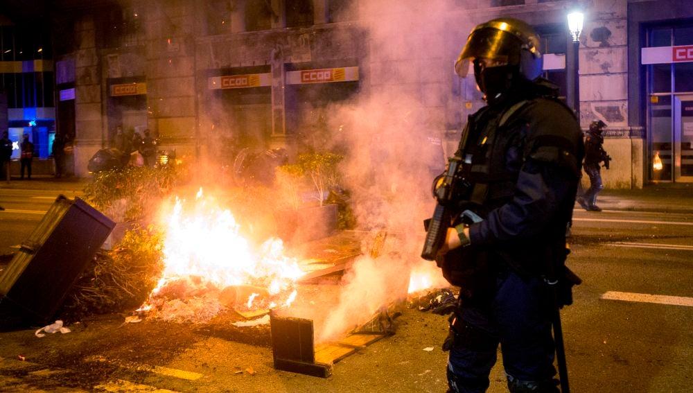 Altercados en el centro de Barcelona tras una manifestación negacionista