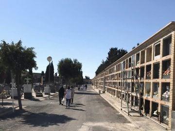Nichos de un cementerio municipal