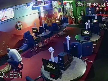 El vídeo con la rápida detención 'in fraganti' de cuatro atracadores en Tenerife