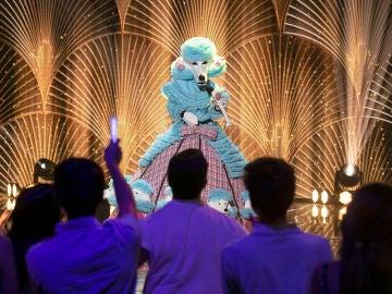 El Caniche conquista a todos al ritmo 'Mamma Mia' de Abba