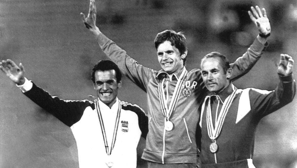 Jordi Llopart, en el podio de Moscú 1980