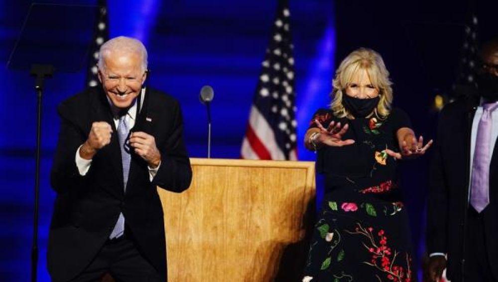 Joe Biden y Jill Biden en un acto electoral