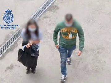 Una taquillera de RENFE y un joven de Milán entre los 99 grafiteros detenidos por daños a vagones de metro y tren en Barcelona