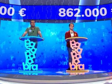 Vertiginoso enfrentamiento entre Luis y Pablo en 'El Rosco: Los concursantes rozan la perfección en su lucha por un bote de 862.000 euros
