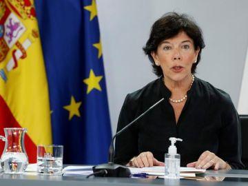 Isabel Celáa, durante una comparecencia en Moncloa.