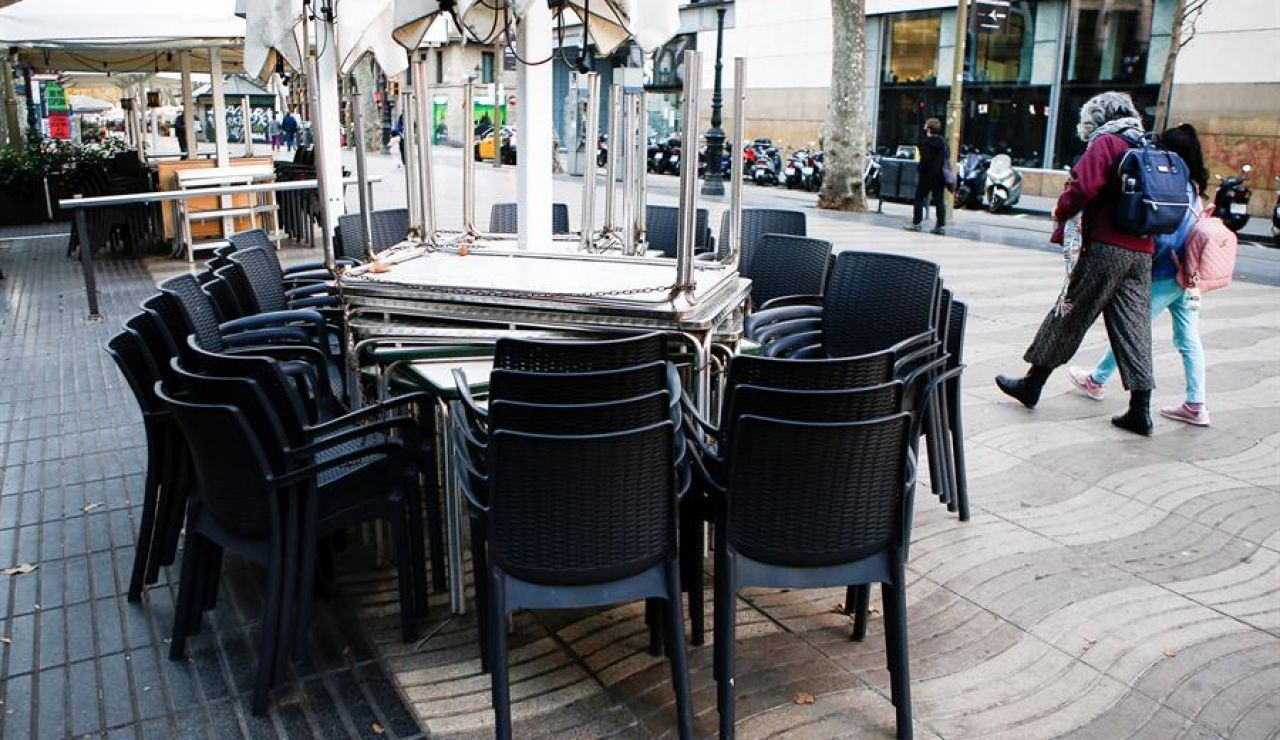 Cataluña prorroga otros diez día el cierre de bares y restaurantes
