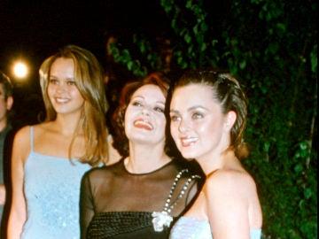 Carmen Morales, su madre Rocío Dúrcal y su hermana Shaila Dúrcal