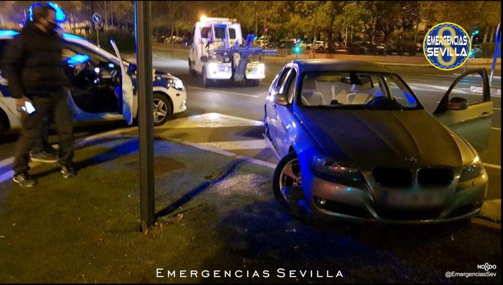 Coche utilizado por los 5 detenidos por un robo por alunizaje en Sevilla