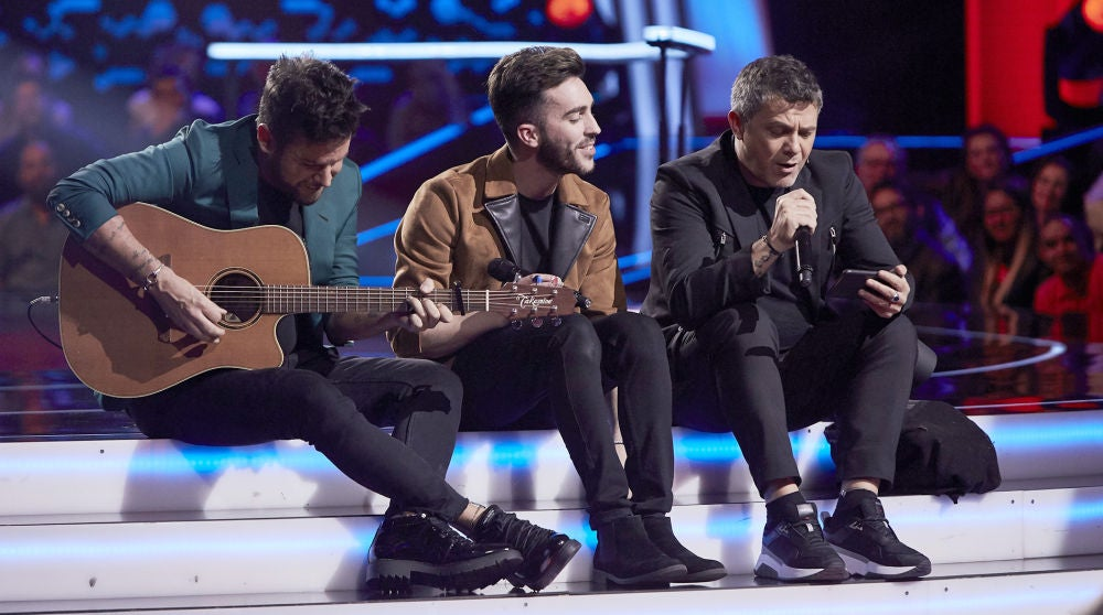 Alejandro Sanz canta con Iván Feria su tema 'Para que no llores', el gran momento de la Batalla Final de 'La Voz'