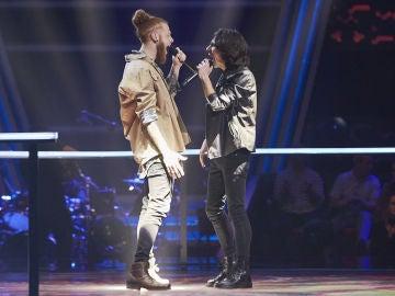Sergio Chaves y Curricé cantan 'Lobos' en la Batalla Final de 'La Voz'