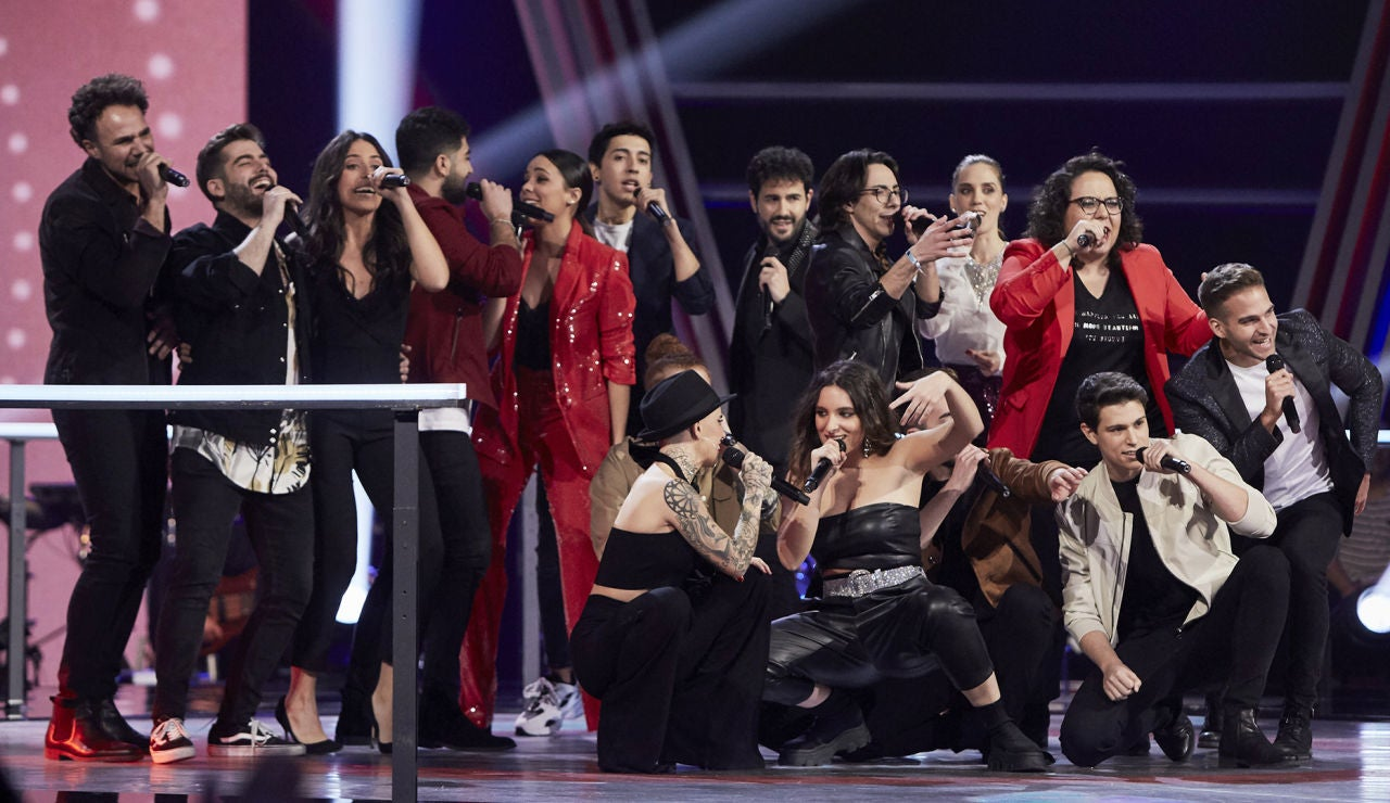 Los 16 talents de la Batalla Final forman un gran espectáculo al interpretar el tema 'My Voice'