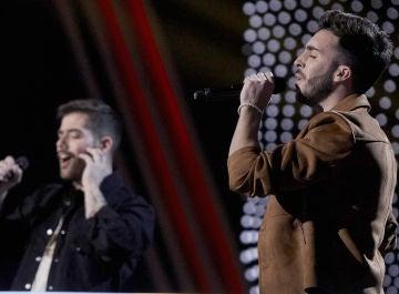 Iván Feria y Miguelichi López cantan 'Para que tú no llores' en la Batalla Final de 'La Voz'
