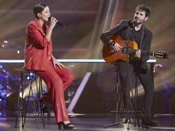 Pilar Bogado y Juan José Alba cantan 'Perdóname' en la Batalla Final de 'La Voz'