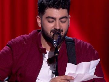 Gonzalo Alhambra emociona en su despedida al cantar la letra que compuso en un hotel días antes de la Batalla Final de 'La Voz'
