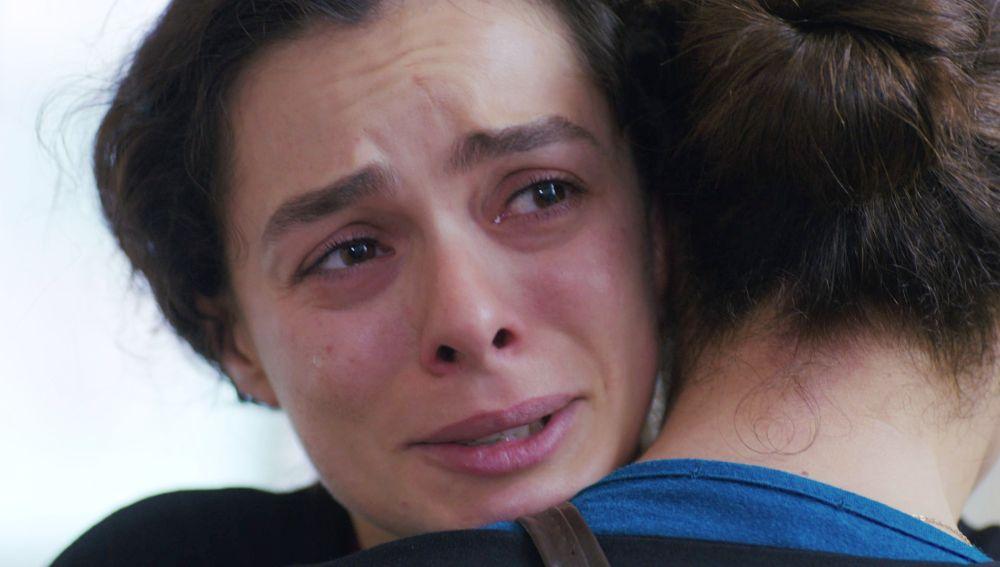 """""""Nunca quise ser una mala madre"""": El abrazo más sincero entre Bahar y Hatice"""
