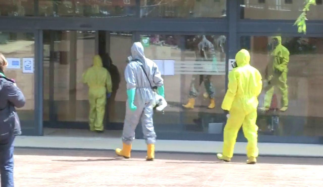 El Parlamento de Cataluña cita a Pedro Sánchez, Pablo iglesias y Salvador Illa para que expliquen la gestión del coronavirus en las residencias