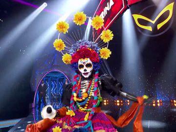 Catrina pone el ritmo con 'Proud Mary' en el Duelo Final de 'Mask Singer'