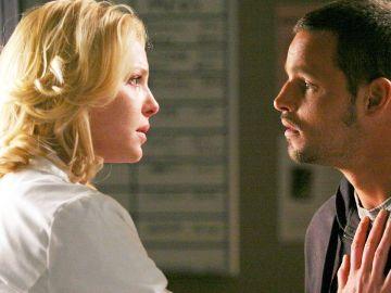 Katherine Heigl y Justin Chambers como Izzie y Alex Karev en 'Anatomía de Grey'