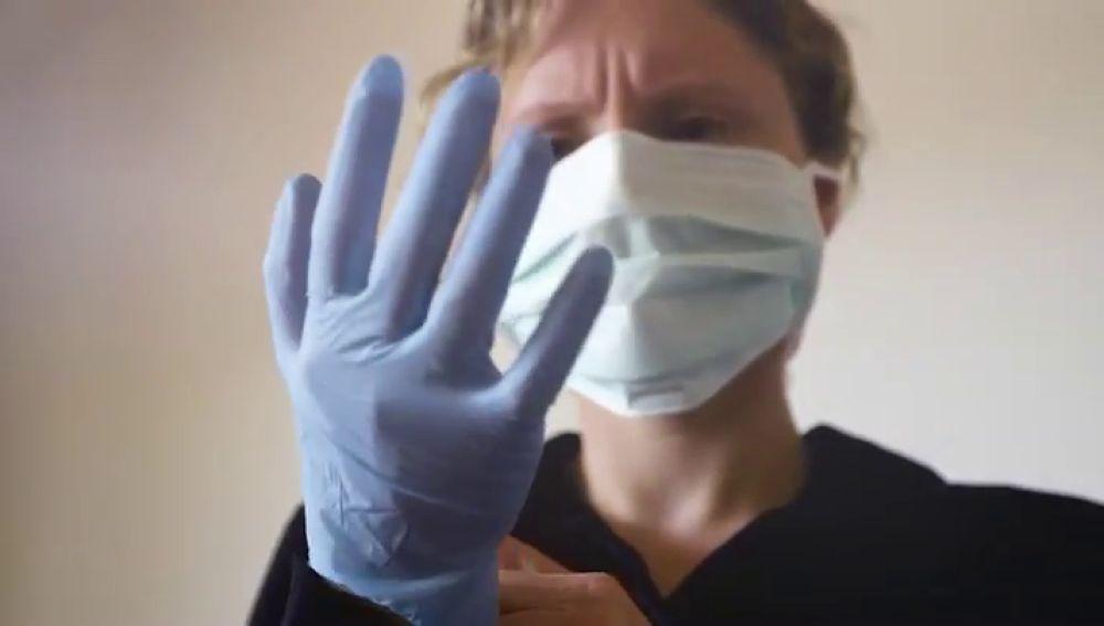 """El video de los médicos jubilados de Málaga para apoyar a los que están en activo luchando contra el coronavirus: """"A tu lado"""""""
