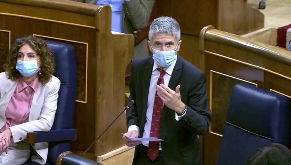 El ministro del Interior, Grande-Marlaska, anuncia una investigación sobre el desalojo de inmigrantes de Arguineguín