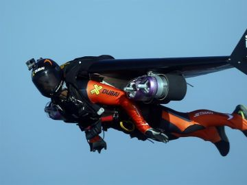 Muere Vince Reffet, conocido como 'el hombre volador', en un accidente durante un entrenamiento en Dubái