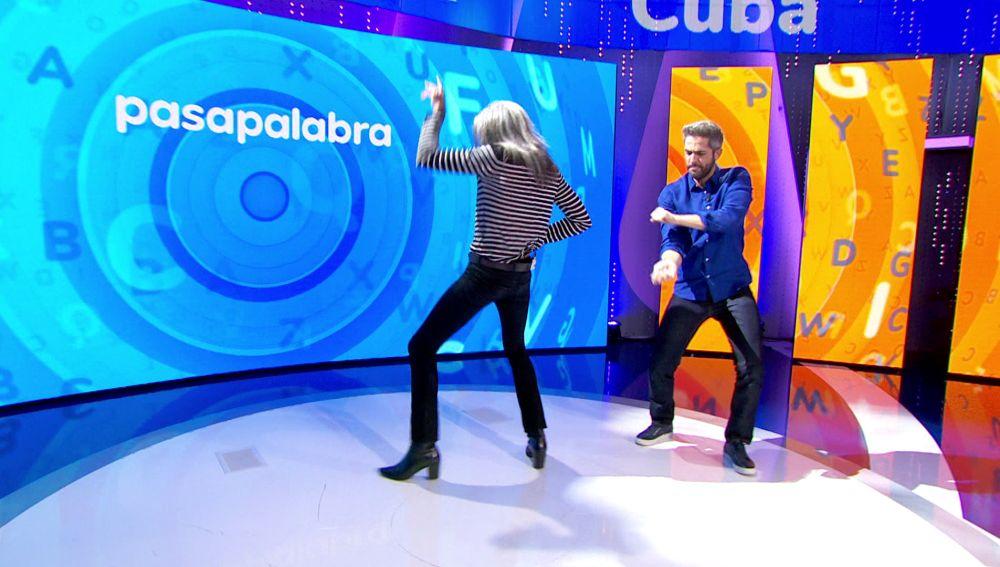 ¡Qué pareja de baile! Mario Vaquerizo y Roberto Leal convierten 'Pasapalabra' en una discoteca