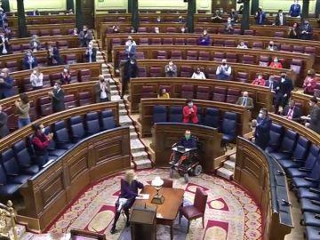 El debate de la ley de educación termina entre aplausos y gritos de libertad