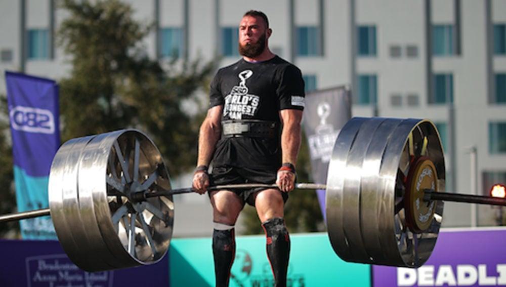 Oleksii Novikov es el nuevo 'hombre más fuerte del mundo' tras levantar 5 veces su peso