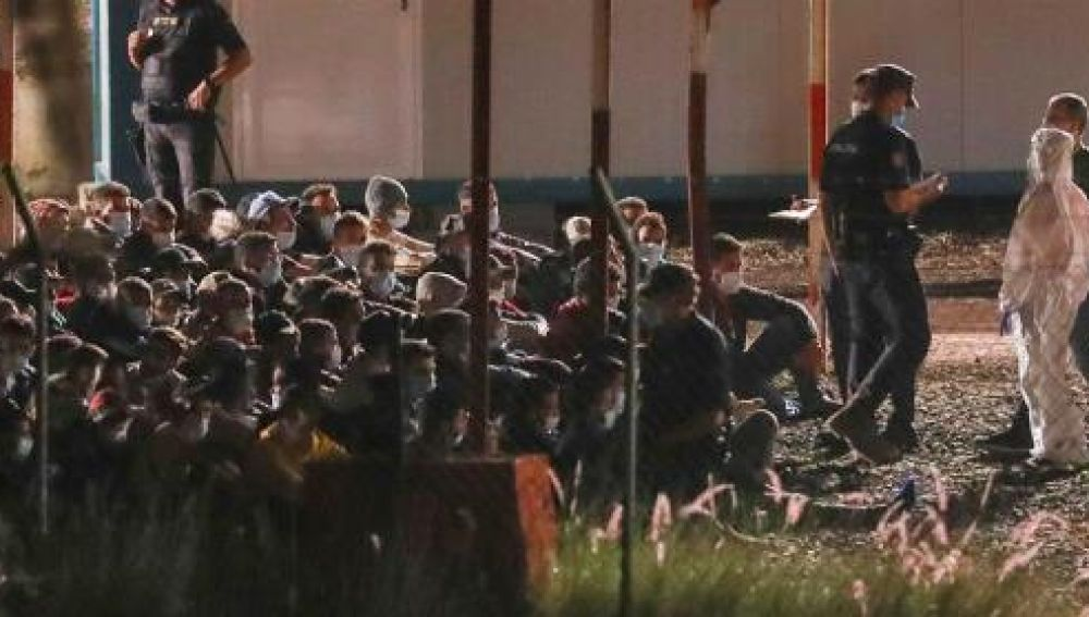 200 inmigrantes llegan a Barranco Seco