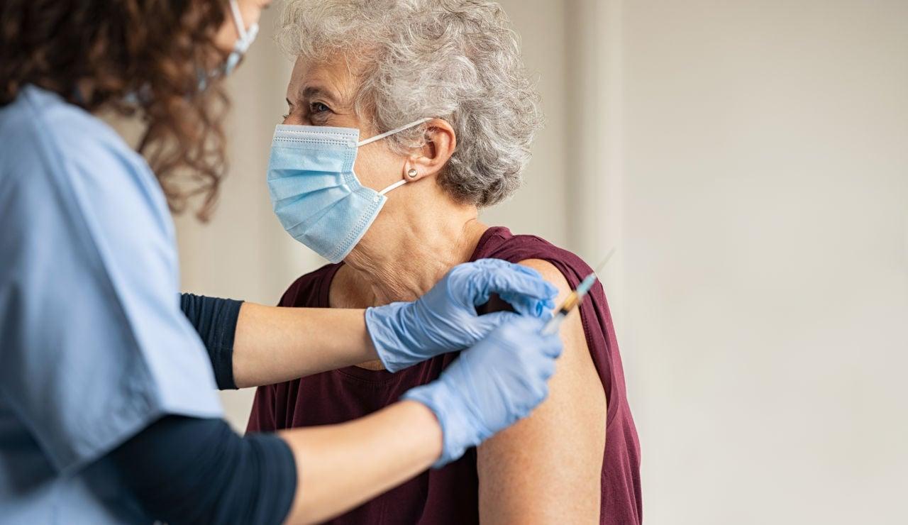 La OMS recomienda la vacuna de AstraZeneca en mayores de 65 años