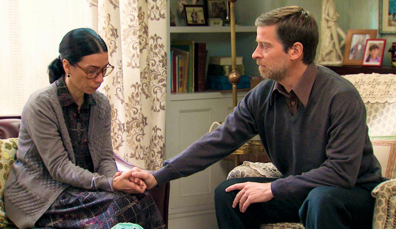 Manolita, preocupada por su matrimonio, pide paciencia a Marcelino