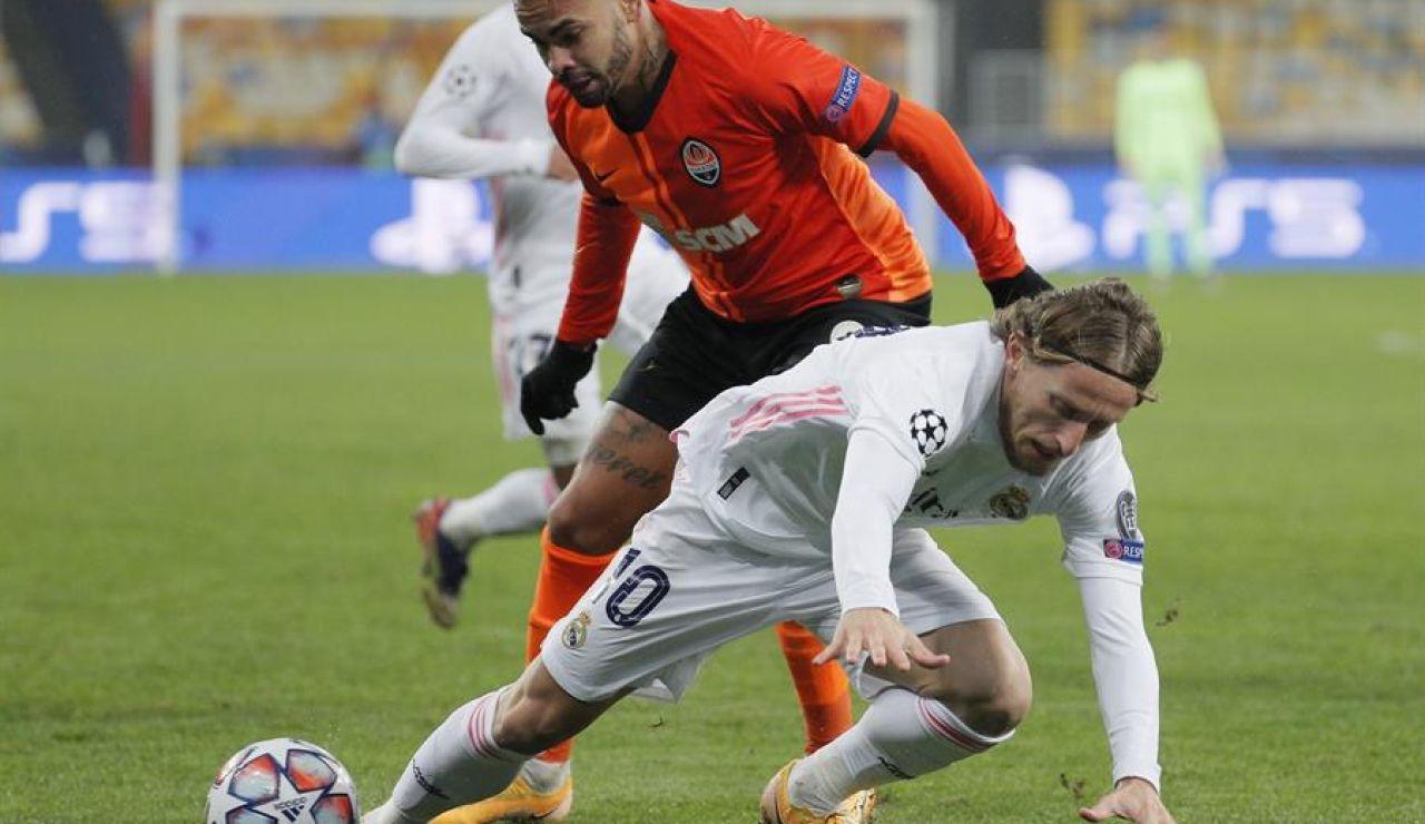 Modric en el partido del Real Madrid contra el Shakhtar