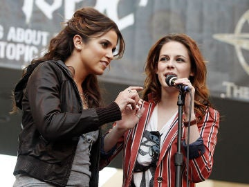 Nikki Reed y Kristen Stewart