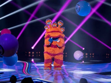 El Monstruo hace vibrar el plató de 'Mask Singer' con 'Relax' de Mika