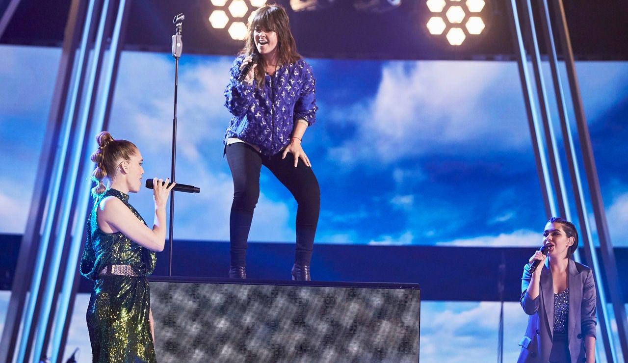 Vanesa Martín, Paula Espinosa y Johanna Polvillo cantan '… y vuelo' en La Final de 'La Voz'