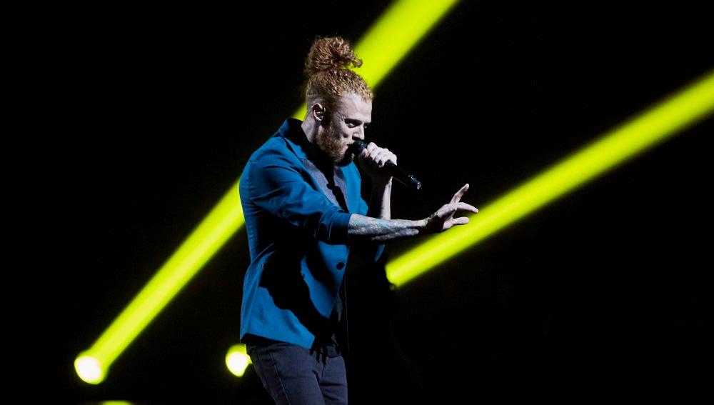Curricé canta 'Malamente' en La Final de 'La Voz'