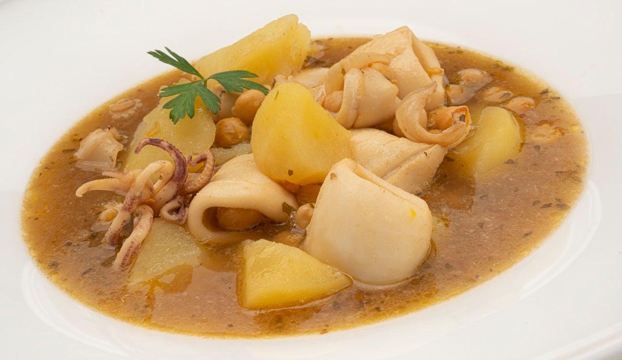 Receta de calamares con garbanzos, de Karlos Arguiñano