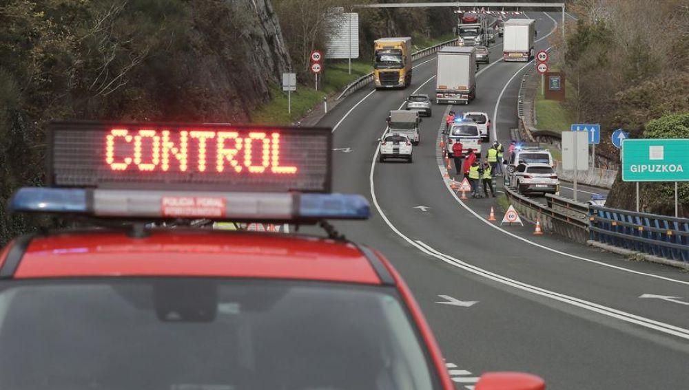 Así son los controles para evitar desplazamientos en el puente de la Constitución