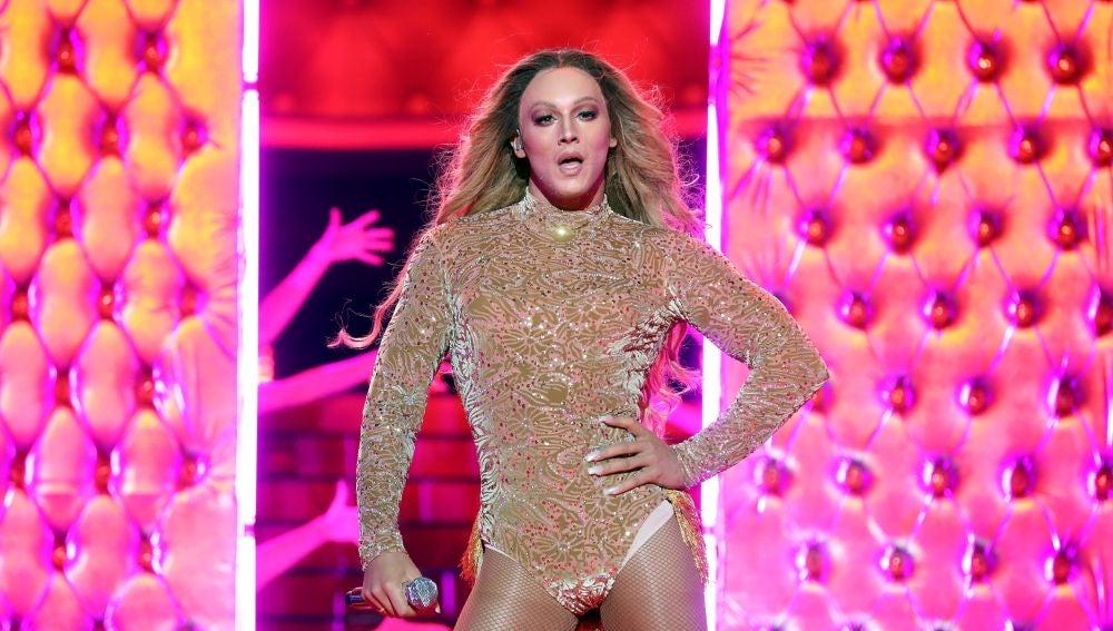 Jorge González derrocha sensualidad convertido en una auténtica 'Naughty girl' como Beyoncé