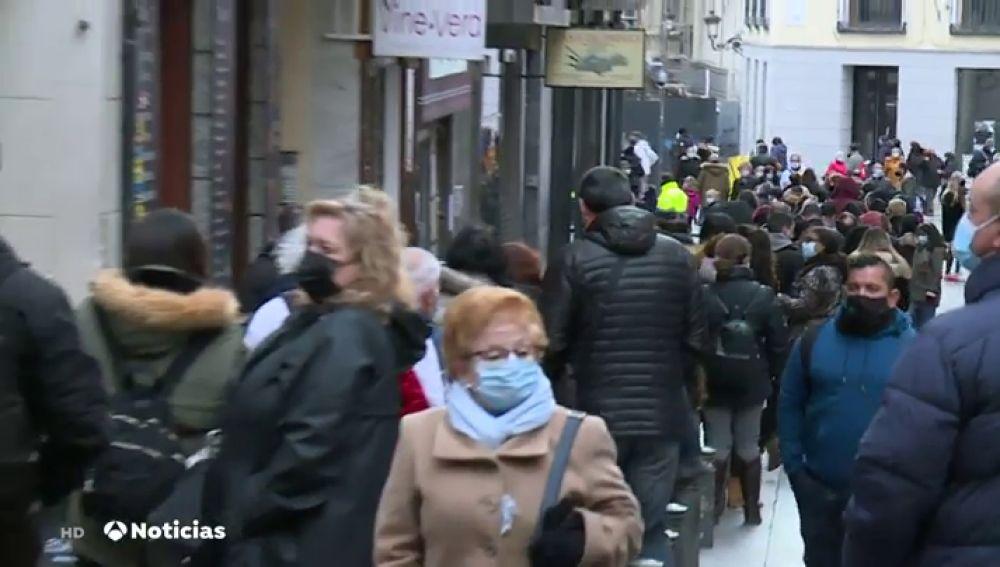Las escenas de calles masificadas en el Puente que preocupan a Sanidad