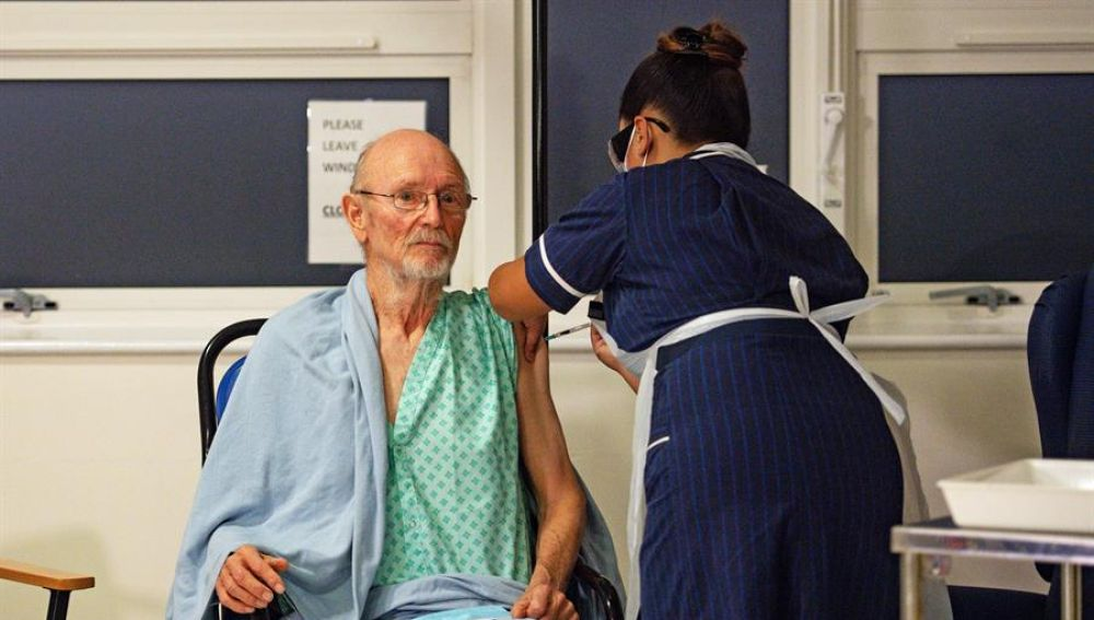 Segundo vacunado contra el coronavirus en Reino Unido