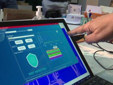 Así funciona el nuevo test que detecta el coronavirus en un segundo con un simple enjuague bucal