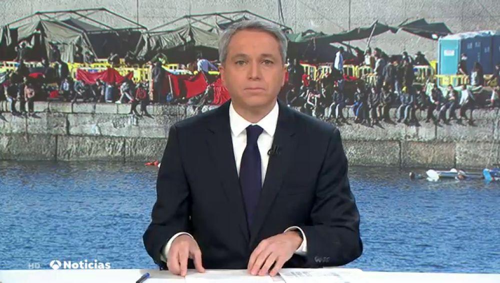 Vicente Vallés analiza la respuesta del Gobierno sobre los traslados de inmigrantes a la Península