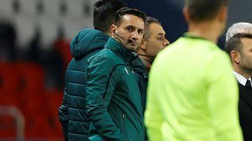 """Coltescu, el árbitro de la polémica del PSG - Basaksehir, rompe su silencio: """"¡Cualquiera sabe que no soy racista!"""""""
