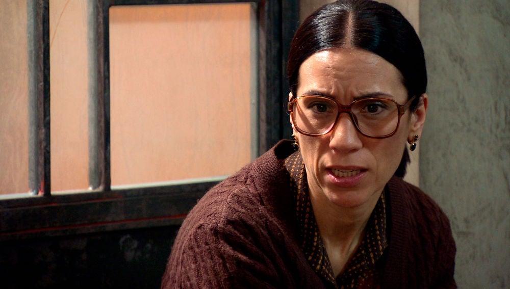 La reacción de pánico de Loreto vuelve a despertar las dudas de Manolita sobre la muerte de Marisol.