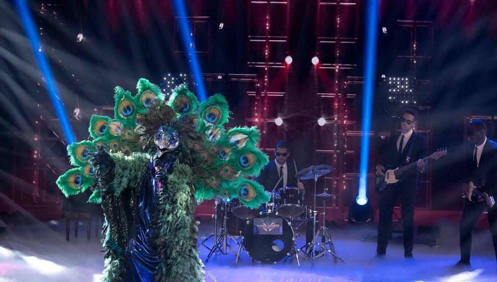 Pavo Real saca su lado más romántico en 'Mask Singer' con 'Always' de Bon Jovi