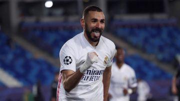 Benzema celebra su primer gol al Borussia