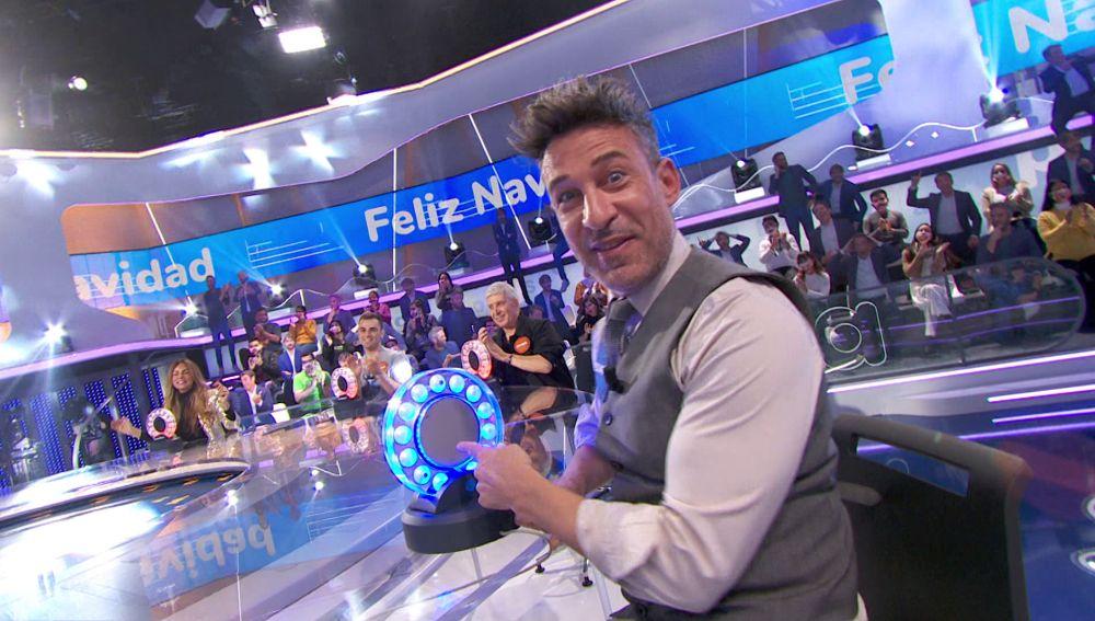 Eduardo Aldán desea 'Feliz Navidad' en 'La Pista' consiguiendo cinco segundos para el equipo azul