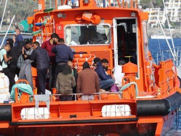 Siguen acogiendo inmigrantes en los hoteles del sur de Canarias